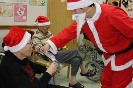 八幡西区山寺町 グループホームいきいき桜苑🌸 クリスマス会🎄③