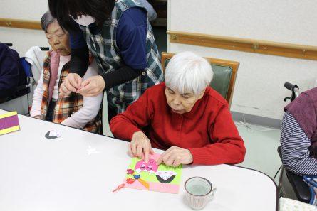 八幡西区山寺町 グループホームいきいき桜苑🌸 おひな様🎎作品作り③