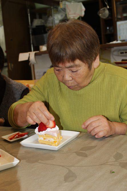 ひな祭りケーキ②